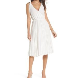 ALI & JAY Left Bank Pleated Dress White NW…